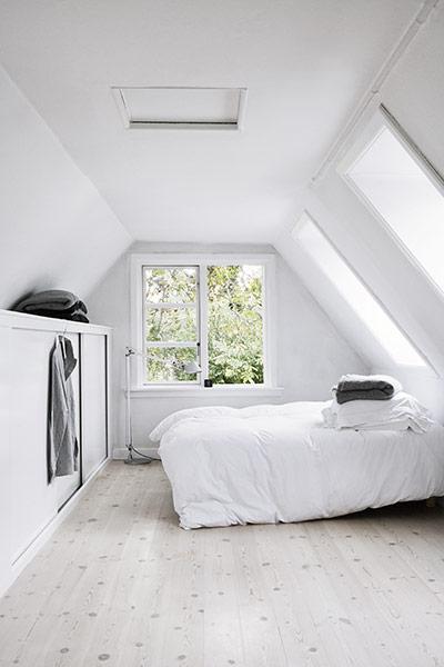 Danish summer house nordic bliss for Danish interior design bedroom