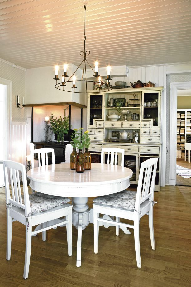 Bliss Swedish Home Country Style Dining 613 920 Pixels