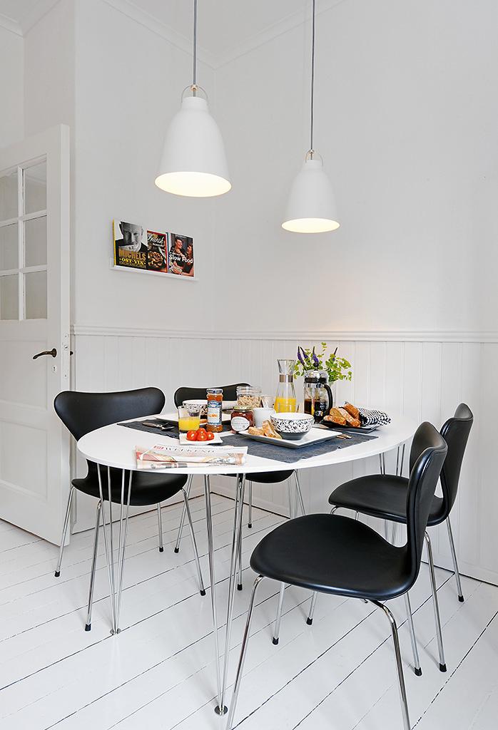 a swedish kitchen nordic bliss. Black Bedroom Furniture Sets. Home Design Ideas