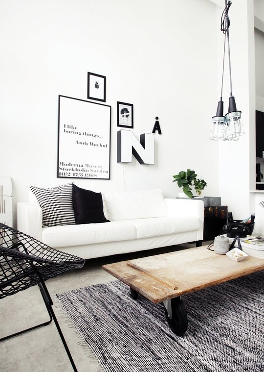 Black and white interiors from finland nordic bliss for Sofa junges wohnen