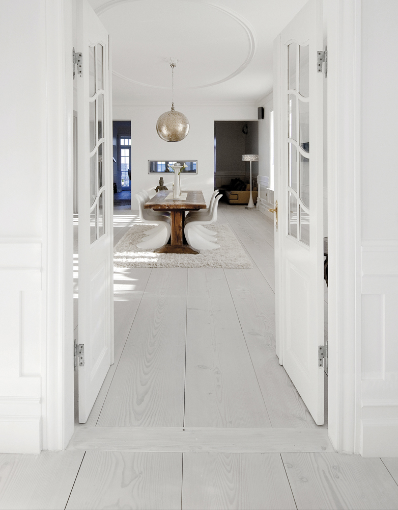 All pictures by Dinesen & wooden floor | Nordic Bliss